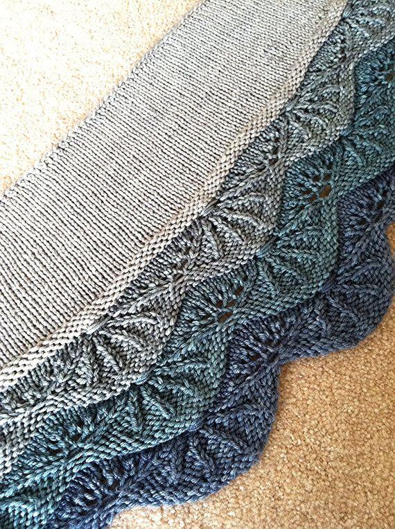 Meer von Shells Crescent Lace Schal stricken Muster PDF 3 Größen für Worsted oder Aran Gewicht Garn, Downton Abbey oder Edwardian Blick
