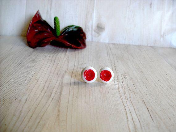 Orecchini rossi bianchi in porcellana fredda a perno tondi moderni semplici minimal anallergici per orecchie sensibili donna ragazza moglie
