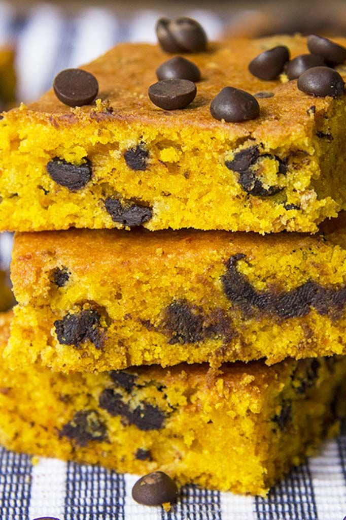 A tender #pumpkin #cake dotted with mini #chocolatechips | www.cakescottage.com | #recipes