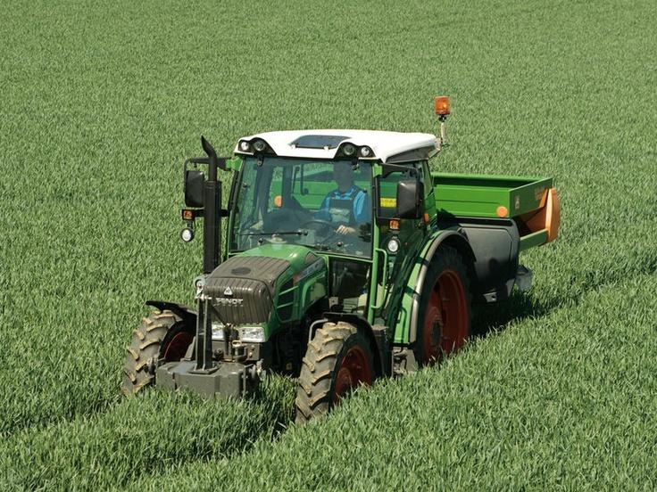 fendit combines   Karlow-Karlshof a.s. - Tractors FENDT - Fendt 200 Vario