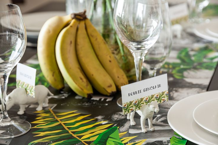 Do It Yourself! Place setting name tags to make your table more festive. http://www.ormsprintroom.co.za/news/?post=40411
