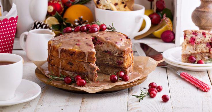 Το χριστουγεννιάτικο κέικ με κράνμπερι του Βασίλη Καλλίδη θα το λατρέψεις για την πλούσια γεύση του
