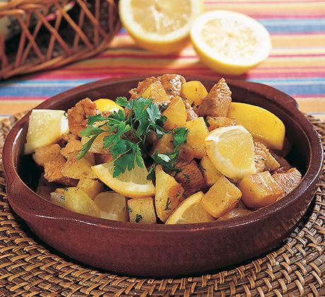 Carne de peru salteada com batatas e limão