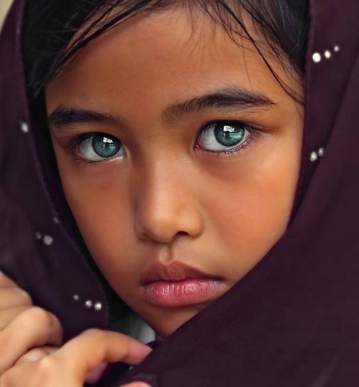 какие бывают красивые глаза фото эти солистки