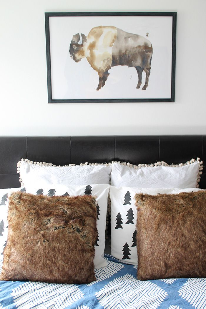 DIY tree stamp pillows | http://www.hammerandheelsblog.com/watercolor-art-giveaway/