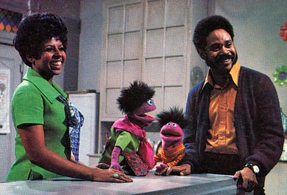 """Black #Cosmopolitan The First Black Sesame Street Character Was Voiced by a Member of Omega Psi Phi   #HBO, #MattRobinson, #OmegaPsiPhi, #RooseveltFranklin, #SesameStreet, #SesameWorkshop, #Television, #TheRobinsonFamily         Singing along to """"can you tell me how to get to Sesame Street,"""" was a rite of childhood and watching the street's residents with your favorite puppets was a highlight. Through the years, various actors played """"Gordon,"""" but the first on"""