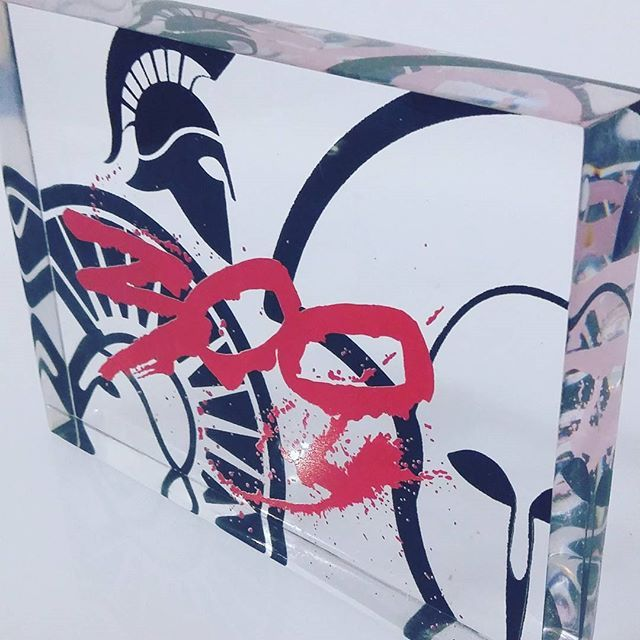 #300 #this #is #sparta #spartan #souvenir #gift #plexiglass #acrylic #screenprint #graphicdesign #silkscreen #greece #red #black   #greekdesigners #ancient #helmet #paperweight #handmade #madeingreece #plexiartshop