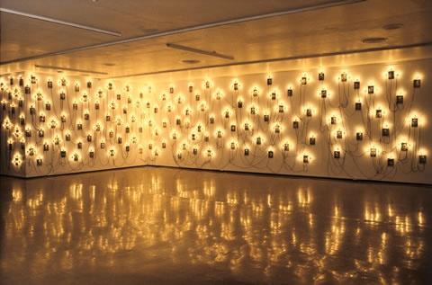 Christian Boltanski - Monuments Les Enfants de Djion, 1985