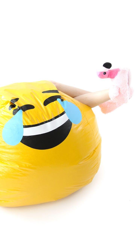 DIY Emoji Bean Bag ChairRainbow Marbled Pop Tart RecipeDIY Typography Sand Art Easter Eggs