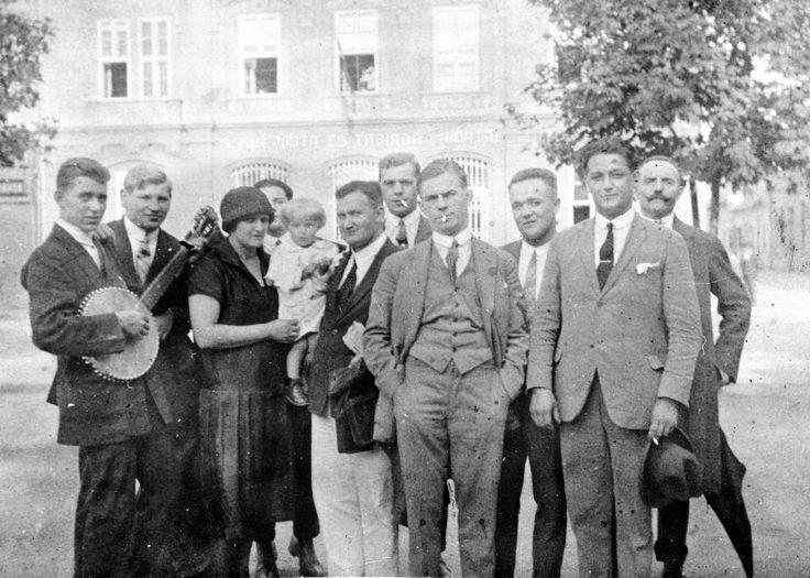 Széchenyi tér 3., postahivatal (Müller-ház). 1929