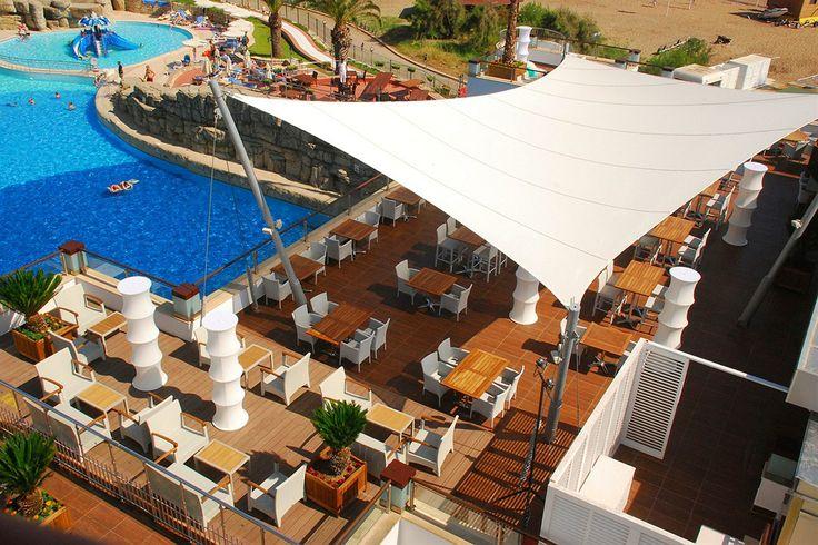 På Hotel Seven Seas Side er der tonsvis af aktiviteter. På hotellet er der vandpark, strand, svømmeskole og meget andet. Se mere om hotellet på www.startour.dk