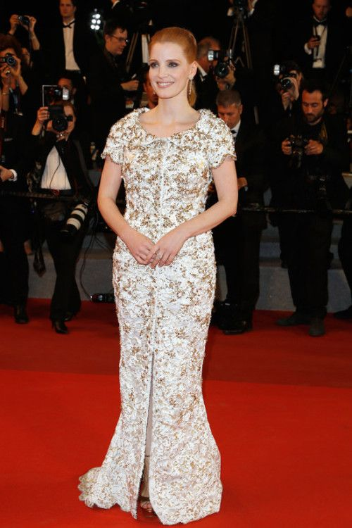 Jessica Chastain at Cannes Film Festival 2017 : Jessica looked lovely in a heavy custom-made embroidered Chanel dress with a small mid-slit and Jimmy Choo shoes. Very classy!