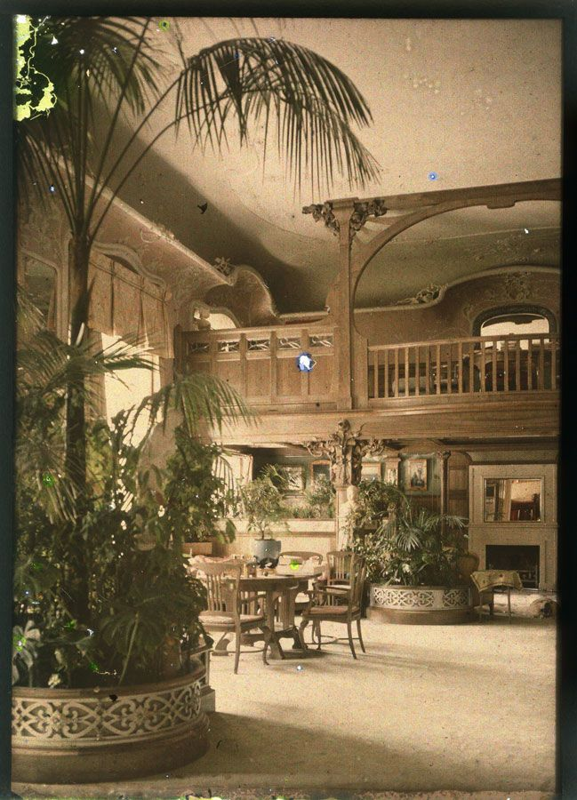 Auto-chrome photos taken of the Alexander Palace in 1917 shortly after the departure of the Imperial family. 1. Parade Halls 2. Playroom of the Imperial Children 3.& 4. Maple Room 5. Maybe Alexandra's...