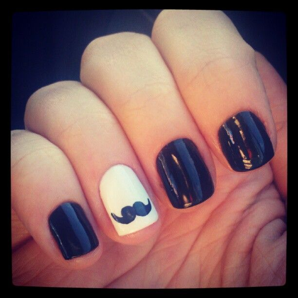 @ Kristy Melcher - Mustache nailart