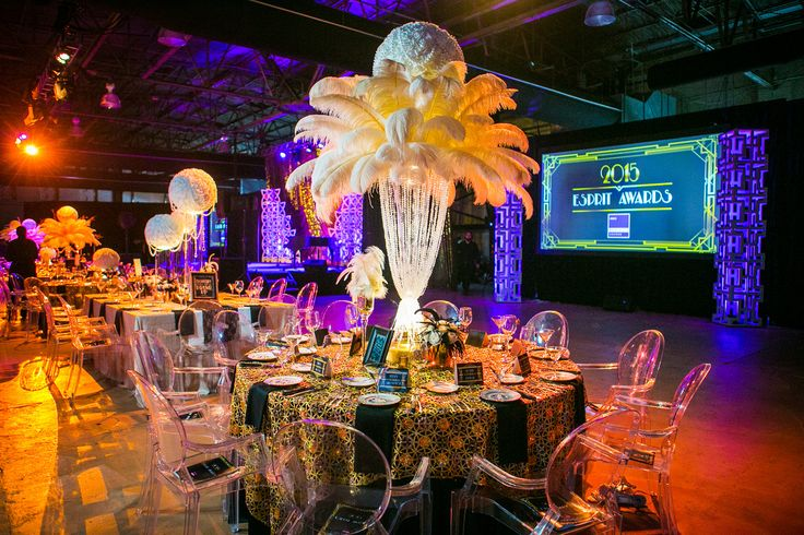 Gatsby themes have been trending with the rich gold tones paired with ivory and black.