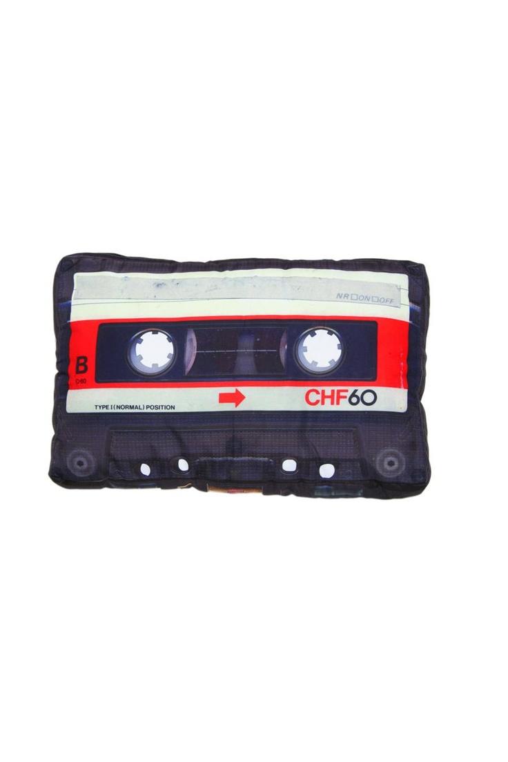 cassette tape pillow: Tape Pillow, Pillow Design, Beds Pillows, Cassette Tape, Puffy Pillows, Cassette Pillow, Pillows Diy, Design Retro