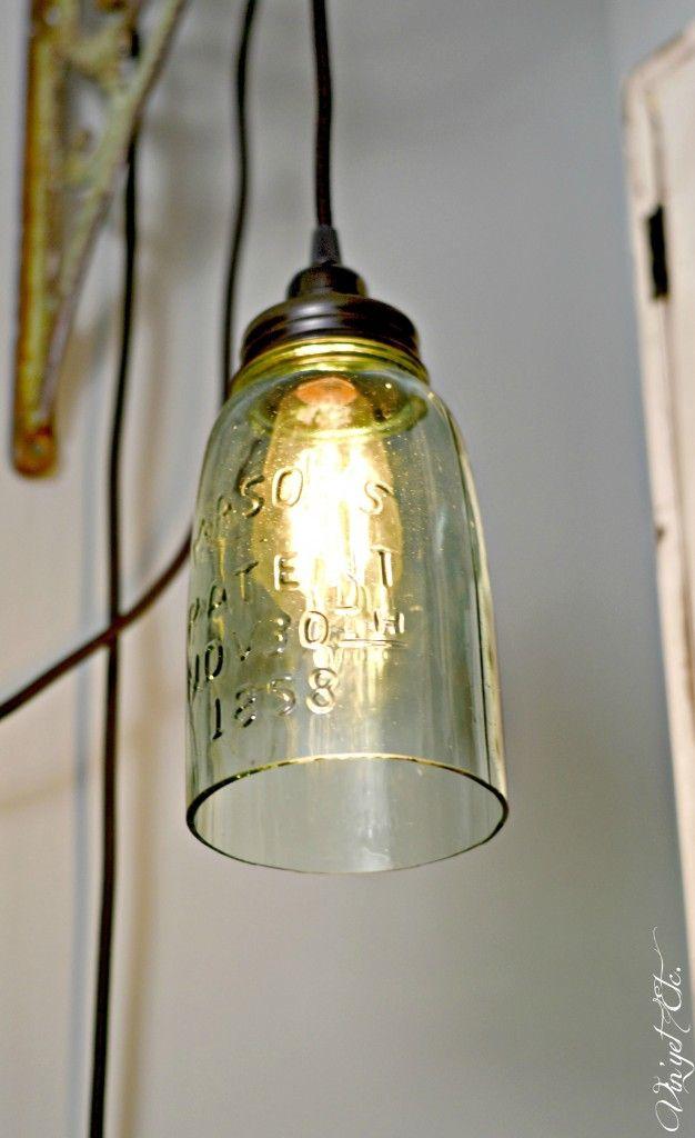 DIY Farmhouse light with a mason