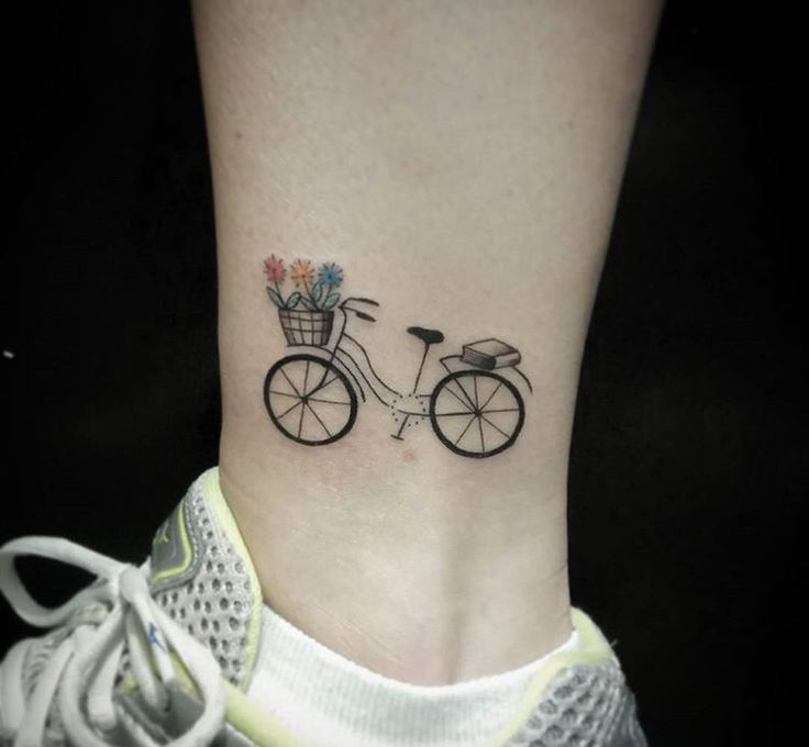 Bicycle tattoo by Raquel Bona Sunama, Brazil