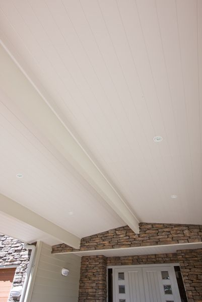 HardieGroove™ Soffit Lining by James Hardie creates a dramatic effect bringing the inside out to create an outdoor room like setting #hardiegroove #tongueandgroove #jameshardie