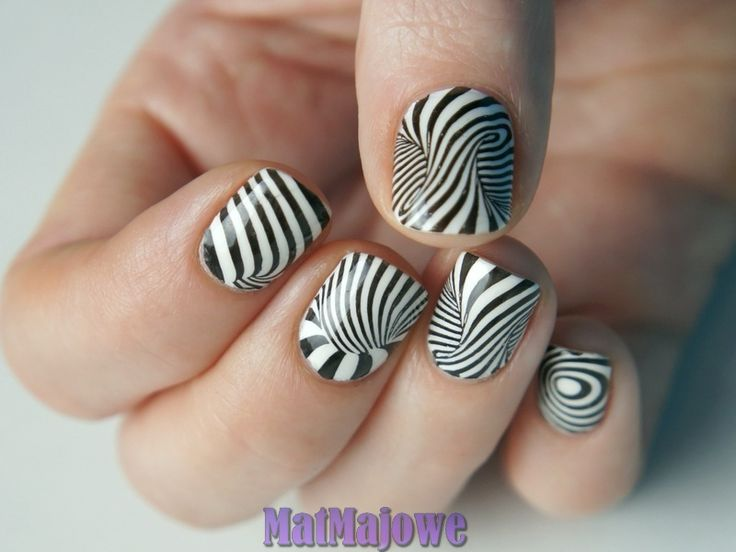 Second week Black and White  nails stamped with B.LovesPlates B.03 Mind Blown http://matmajowe.blogspot.com/2015/01/mind-blown-stamping.html