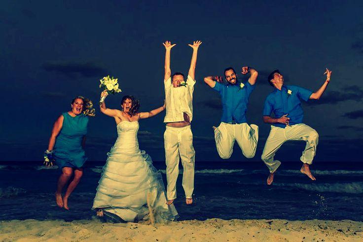 #wedding #party #bride #groom #colors #bouquet #flowers #maidofhonor #yeah #cancun #playadelcarmen
