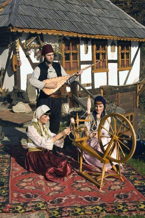 Bosnians in traditional clothes