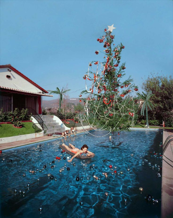 Christmas in Hollywood, 1955. Photo by Slim Aarons   http://www.yellowtrace.com.au/2013/12/20/happy-holidays-from-yellowtrace-slim-aarons/