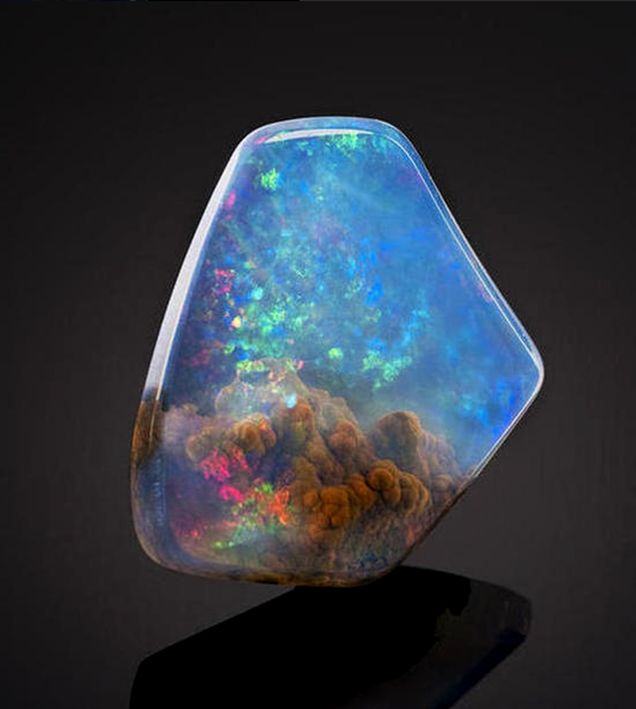 """The stone is an opal. A """"very fine American contraluz opal found"""" in Opal Butte, Oregon, according to Bonhams"""