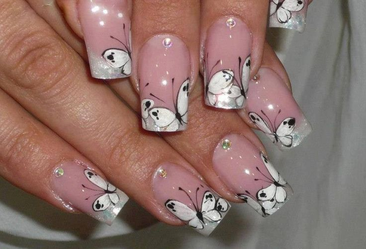 Nail butterfly design