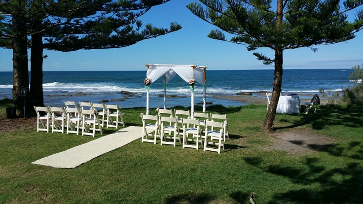 Shelley Beach Caloundra is the perfect wedding ceremony location. Only a 2-5 minute drive from Shearwater Resort.