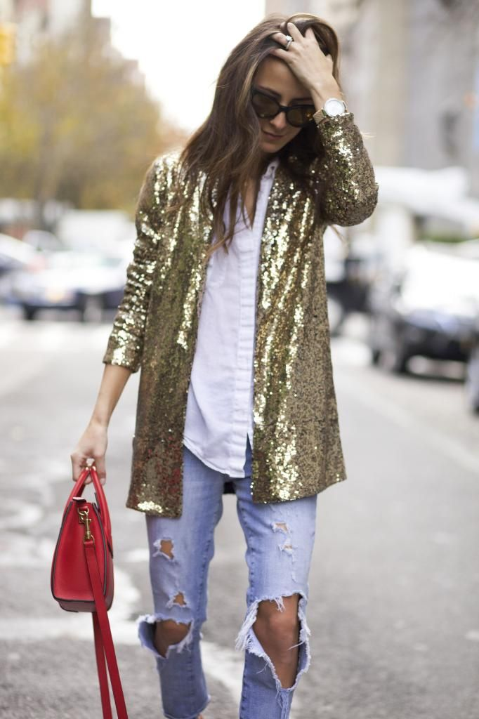 casual NYE look: gold sequin jacket + ripped jeans #streetstyle #sequin