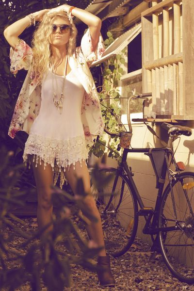 Modern boho chic fashion, hippie style. For MORE Bohemian trend ideas like this FOLLOW http://www.pinterest.com/happygolicky/boho-chic-fashion-bohemian-jewelry-boho-wrap-brace/