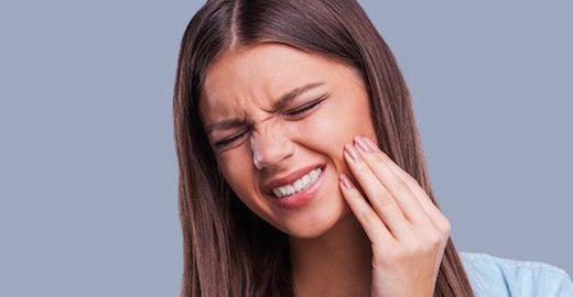 Soulager une extraction dentaire avec les huiles essentielles