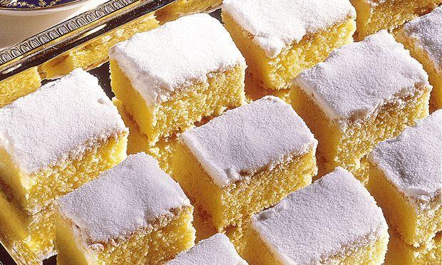 Aprenda a fazer esse delicioso bolo do céu, fácil de fazer e todos vão adorar ! INGREDIENTES 3 xícaras (chá) de farinha de trigo 2 xícaras (chá) de adoçantes culinário 1 xícara (chá) de suco de limão ½ xícara (chá) de óleo 1 colher (sopa) de fermento em pó 3 ovos Gotas de baunilha Ingredientes …