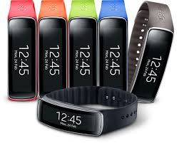 Smart training : the best fitness tracker SAMSUNG GEAR FIT