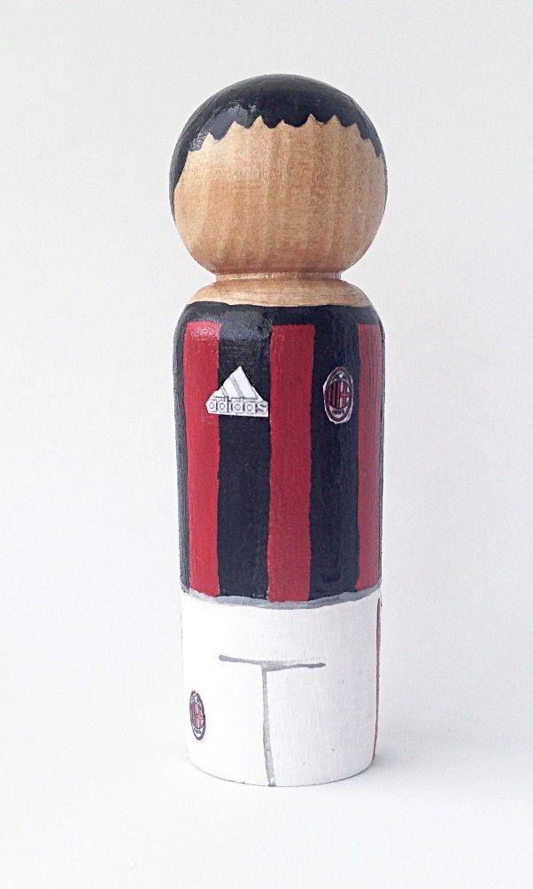 A Wooden Peg doll of an A.C Milan football player. 2017 home strip #pegdolls #acmilan #sportsfangift