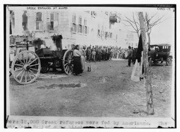 «Είμαι Σύρος από την Κρήτη». Η αλήθεια πίσω από τις φωτογραφίες με τους πρόσφυγες που εγκαταστάθηκαν το 1923 στη Δαμασκό, το Χαλέπι και στο Χαμιντιέ