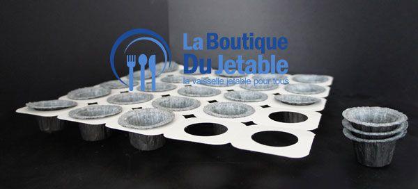 La plaque de cuisson en carton avec 25 moules en papier pour mini cakes. Des emballages pour les boulangers et pâtissiers.  http://www.laboutiquedujetable.fr/mouledecuisson/1151-plaque-moules-cuisson.html