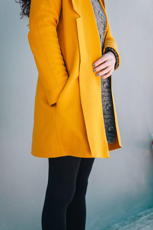 Mostaza + Solapa XL=♥ Llevo años queriendo hacerme un abrigo, pero entreunas cosas yotras, al...