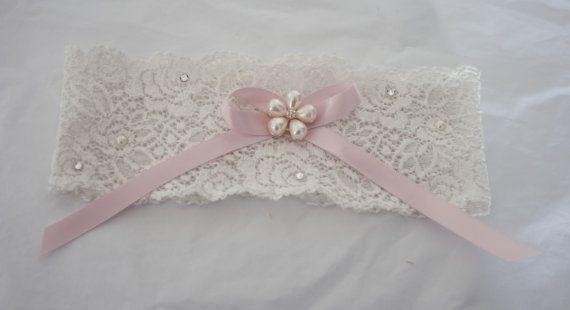 Ivory wedding garter in lace with pearls and crystals. Bridal garter, country wedding garter. Caramel brides garter, keepsake garter,