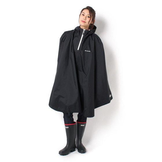 """コロンビア独自の防水透湿機能が、しっかり雨水からガードしてくれるレインポンチョ。縫い目全てに防水テープを貼ったフルシームシール加工により、さらに防水性を高めています。フードのドローコードで顔周りのサイズも調整でき、急な悪天候でも安心。コンパクトにしまえるスタッフバッグ付き。アウトドアにぜひ持っていきたい一枚です。<br> さらに詳しい商品情報はこちら→<a href=""""http://www.columbiasports.co.jp/mag/2017/06/post-42.html"""">雨の日の自転車でも安心!こだわりの6つのポイント</a><br> お子さま用ポンチョはこちら→<a href=""""http://www.columbiasports.co.jp/items/PY1012/"""">スペイパインズユースポンチョ</a>"""