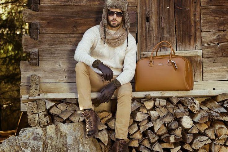 Ręcznie wykonane ekskluzywne torby marki Jack Russell Paris są obowiązkowym dodatkiem każdego eleganckiego mężczyzny. Do kupienia tylko w www.le-premier.pl/torby