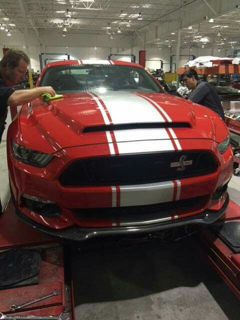 2015 Shelby Super Snake 750 Hp Racing Red Blk Grille