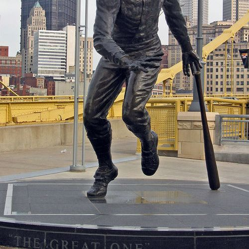 """Roberto Clemente Statue, """"The Great One"""" http://pittsburgh.about.com/od/pictures/ig/pnc_park/clemente_statue.htm"""