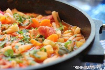 Minestronesuppe med bacon og futt i - TRINEs MATblogg