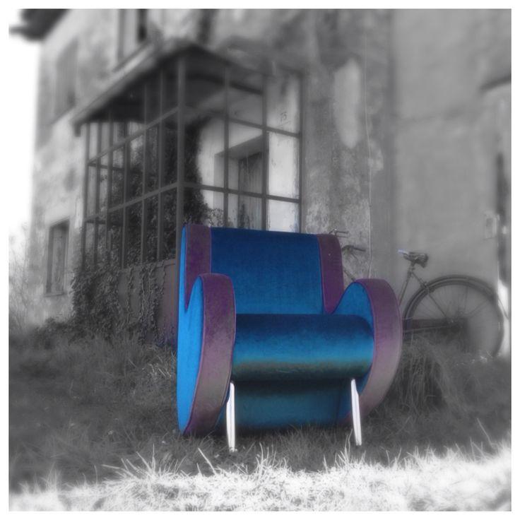 Atina [design @Simone Micheli]  #armchair #violetblu #italiandesign