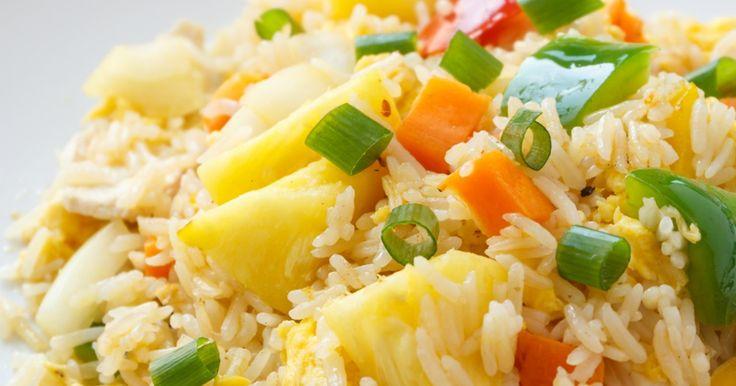 Un riz frit à l'hawaienne..Laissez vous charmer, il est exquis ! - Recettes - Recettes simples et géniales! - Ma Fourchette - Délicieuses recettes de cuisine, astuces culinaires et plus encore!