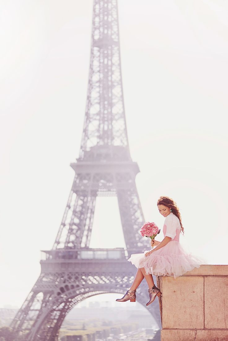 From Paris with love. Tulle dress by Asos. Eiffel Tower and a girl.