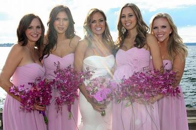 So pretty!Messy, undone flower lookUndone Flower, Girls Generation, Walton Photography, Tamara Nicole, Seeking Amy, Bouquets, Amy Walton, The Dresses, Simply Tamara