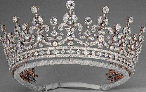 the girls of britain tiara | De Girls of Great Britain and Ireland-tiara